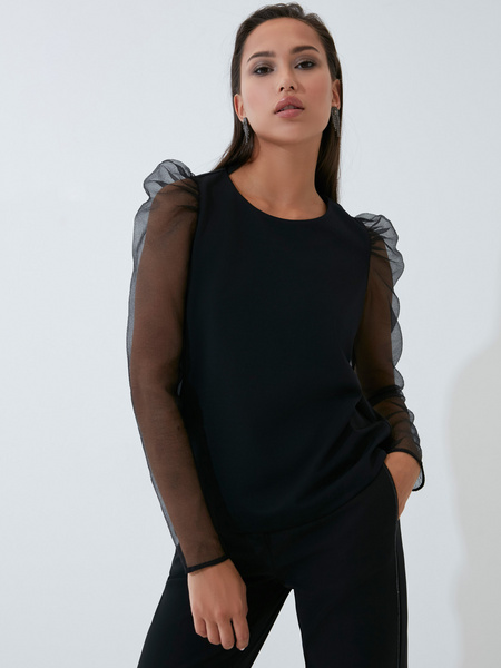 Блузка с рукавами-буфами