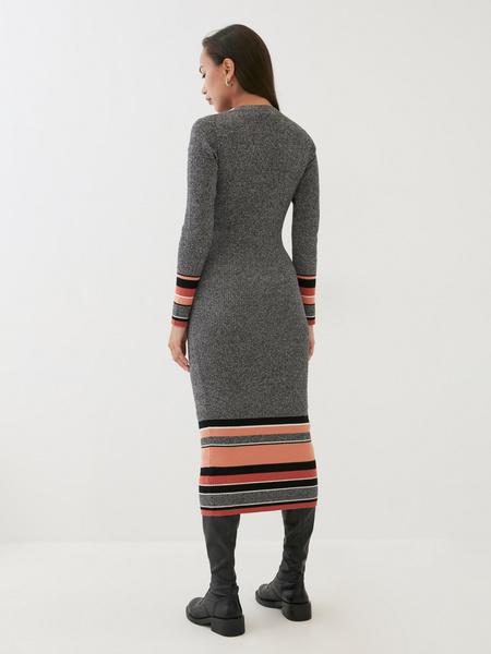 Трикотажное платье в рубчик - фото 5