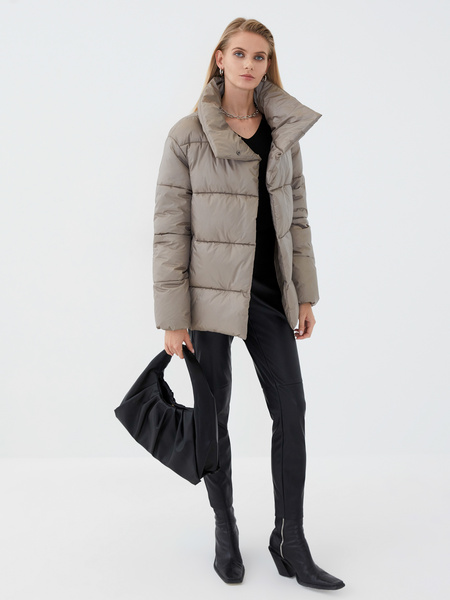 Куртка с воротником - фото 1