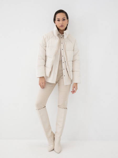 Короткая куртка на молнии - фото 5