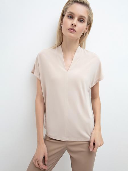 Блузка с вырезом - фото 1