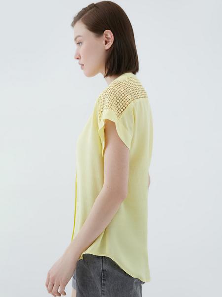 Блузка с ажурной вставкой - фото 7