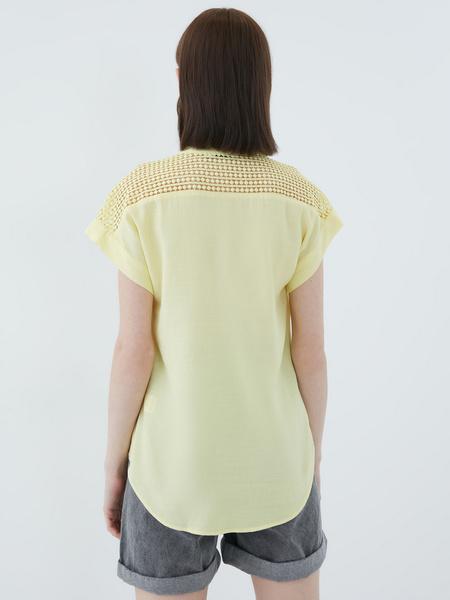 Блузка с ажурной вставкой - фото 9