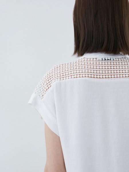 Блузка с ажурной вставкой - фото 8