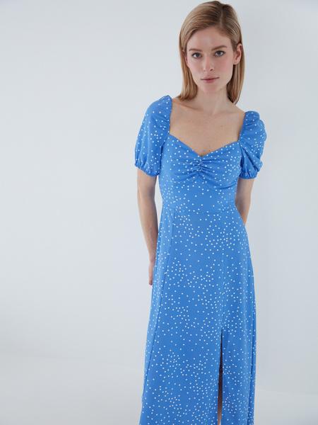 Струящееся платье