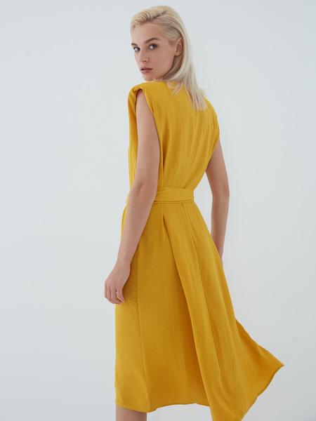Платье с подплечниками - фото 11