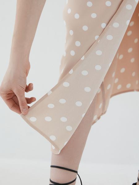 Платье с пуговицами - фото 6