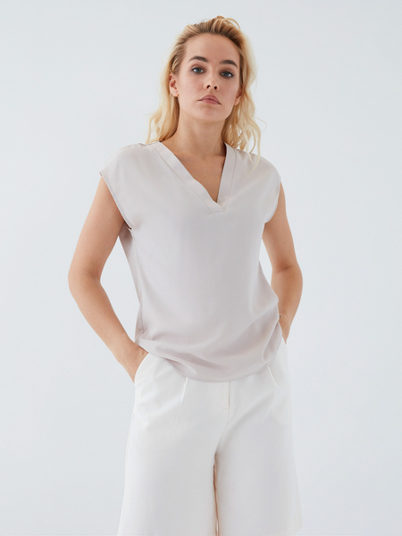 Блузка с вырезом - фото 9