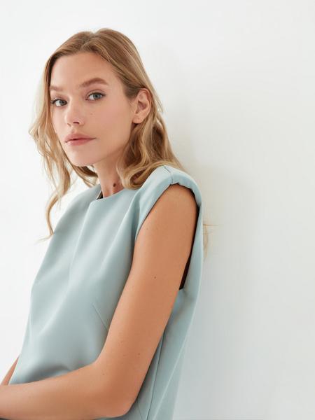 Платье с подплечниками - фото 3