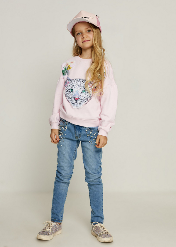Pullover sweater for girls
