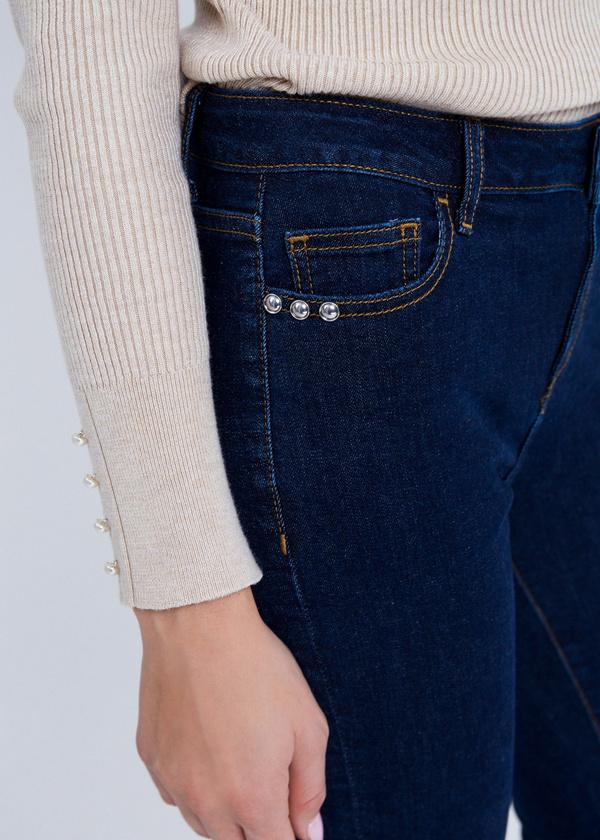 Зауженные джинсы с клепками - фото 4