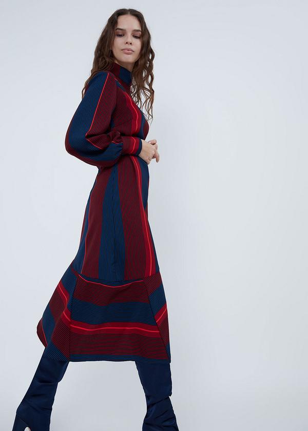 Платье с воротником-стойкой - фото 4