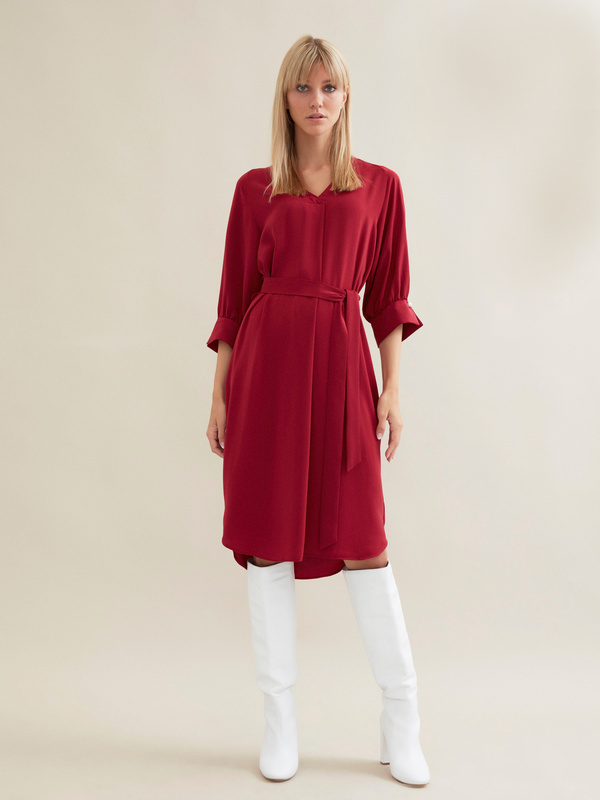 Платье с ажурной вставкой и запонками под жемчуг - фото 2