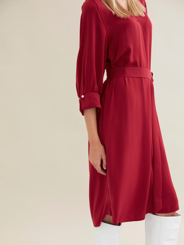 Платье с ажурной вставкой и запонками под жемчуг - фото 3