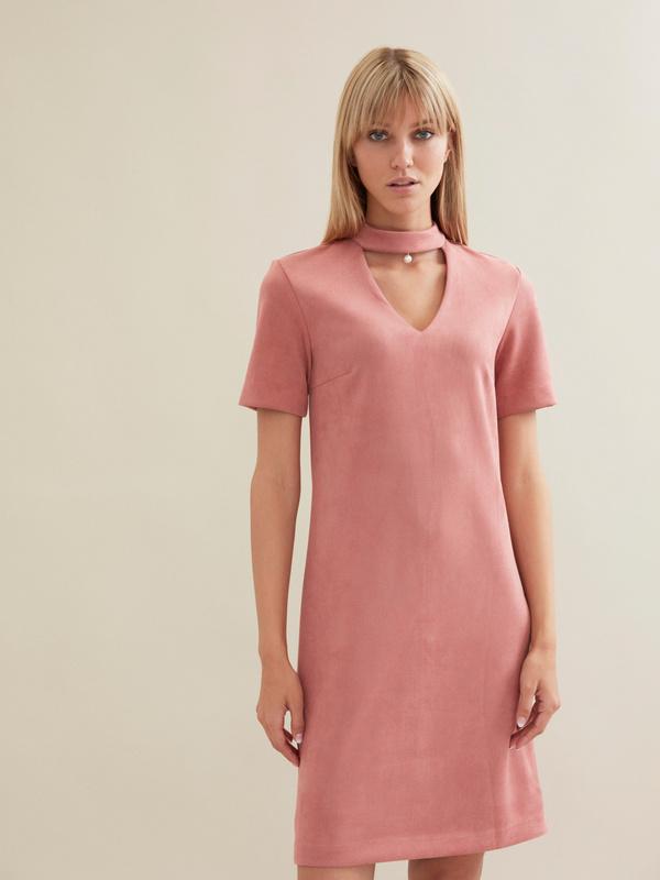 Замшевое платье-мини с чокером - фото 3