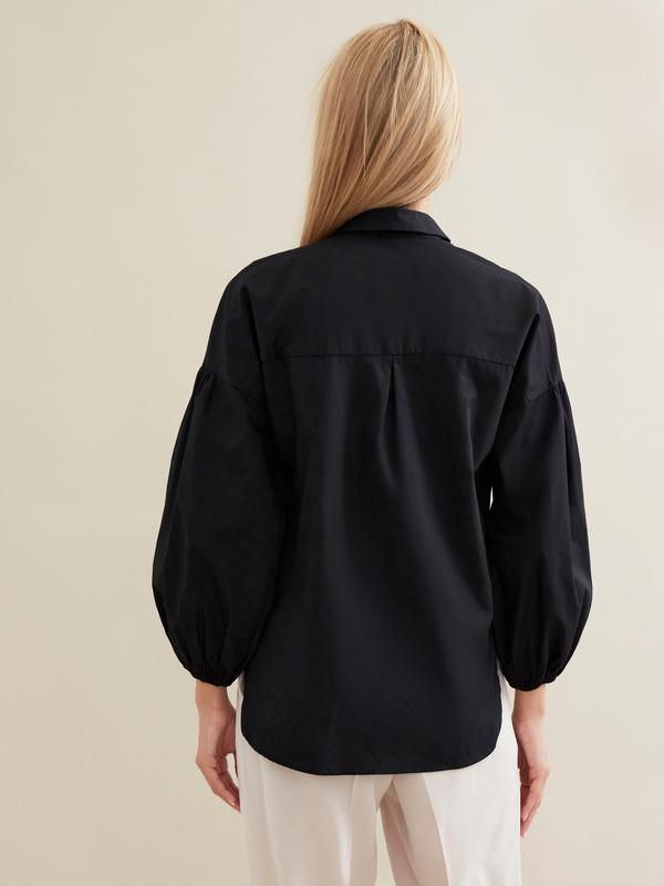 Блузка с декорированной вышивкой - фото 3
