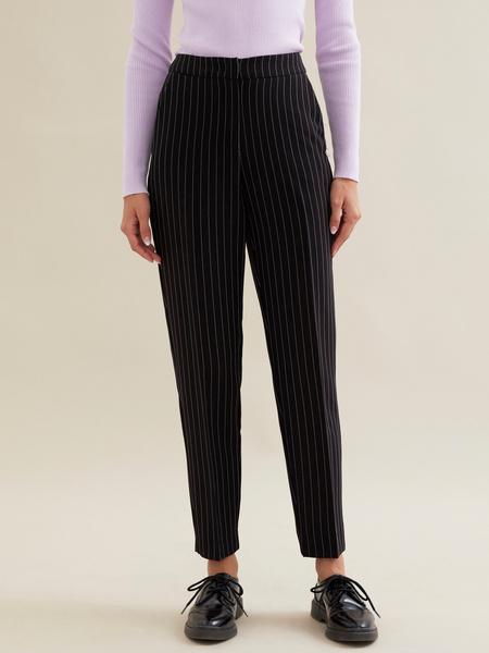 Зауженные брюки в полоску - фото 1
