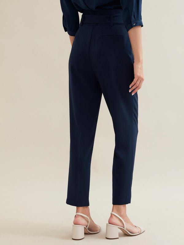 Зауженные брюки с поясом - фото 5