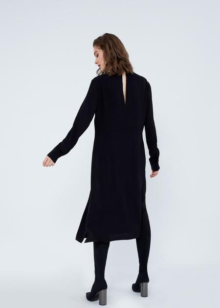 Платье-миди свободного кроя - фото 6