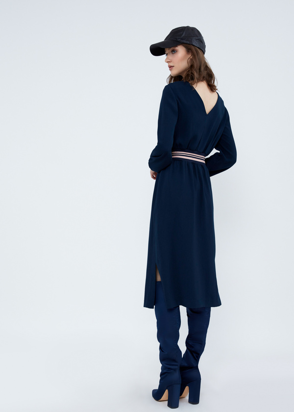 Платье-миди с резинкой на поясе - фото 4