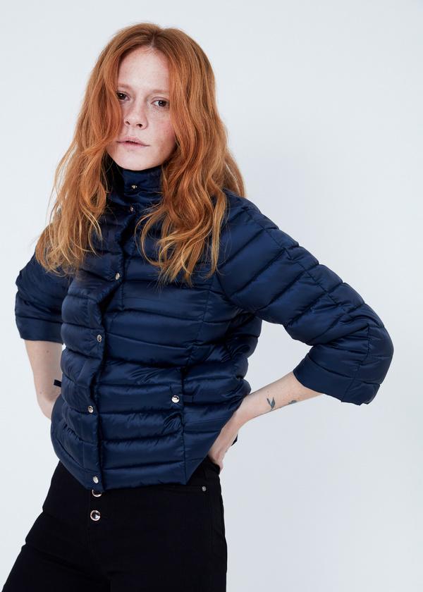 Стеганая куртка с укороченными рукавами - фото 3