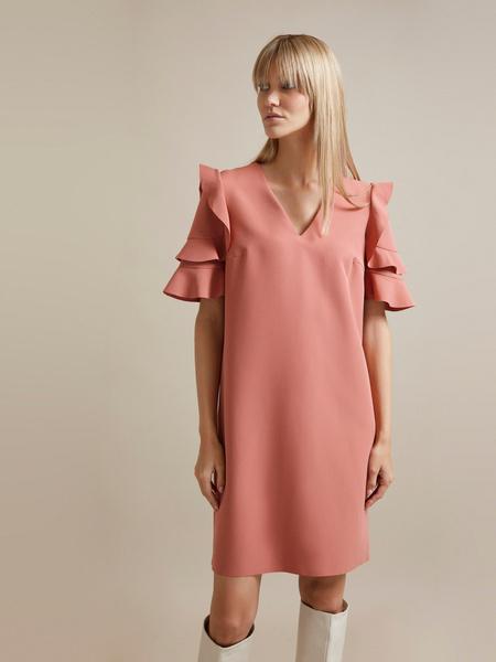 Платье-мини с оборками на рукавах - фото 1