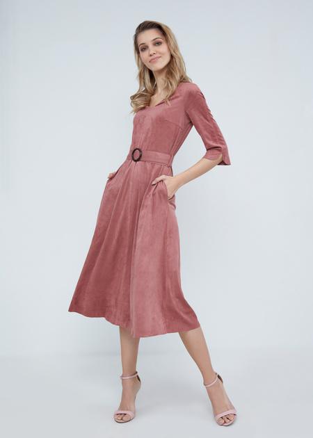 Замшевое платье-миди с поясом - фото 1