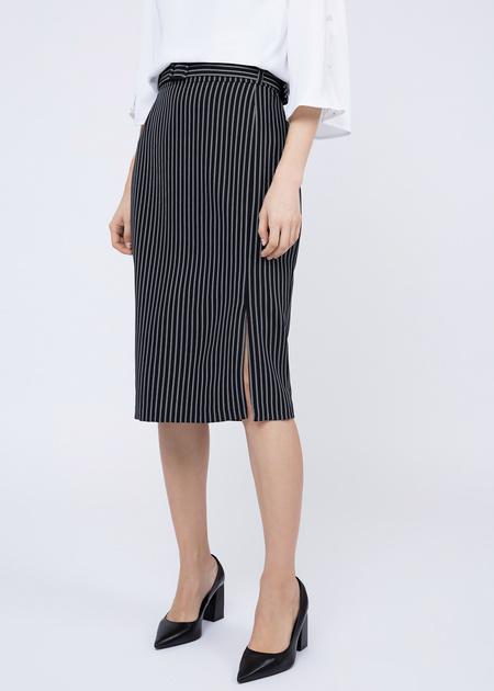 Облегающая юбка с боковым разрезом - фото 1