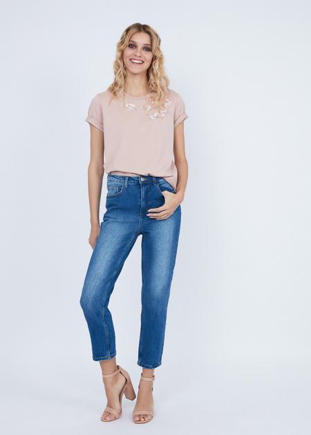 Укороченные джинсы с эффектом потертости - фото 3