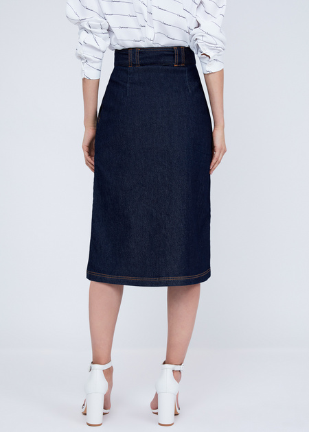 Джинсовая юбка-миди с поясом - фото 6