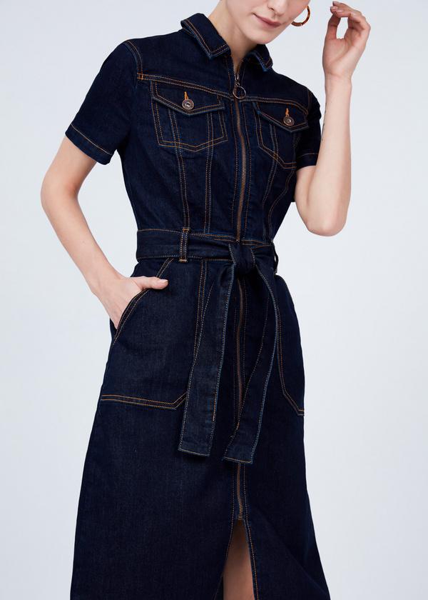 Джинсовое платье с молнией и поясом - фото 2