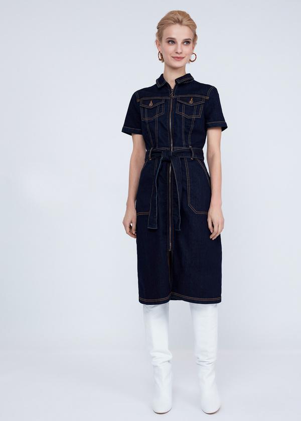 Джинсовое платье с молнией и поясом - фото 4
