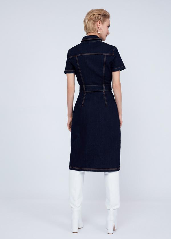 Джинсовое платье с молнией и поясом - фото 5