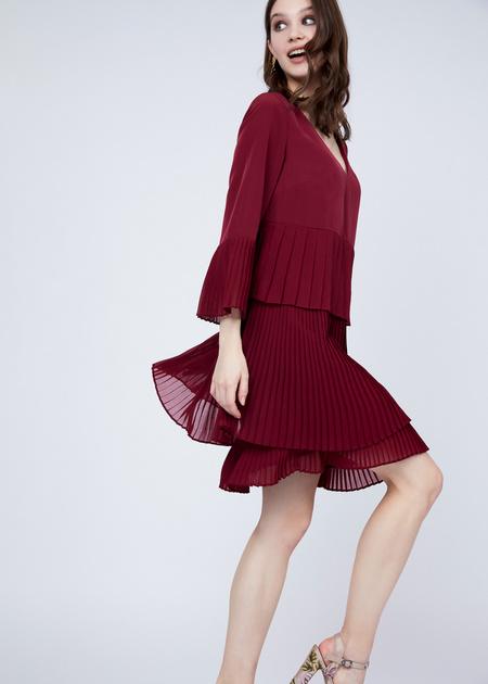 Многоярусное платье с плиссированной юбкой - фото 5