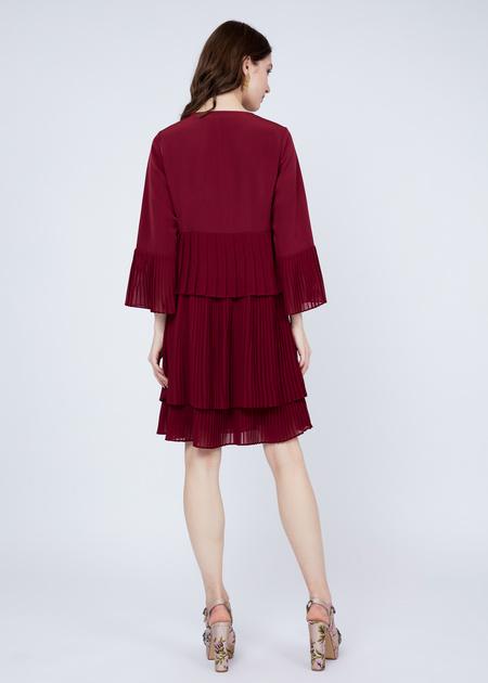 Многоярусное платье с плиссированной юбкой - фото 7