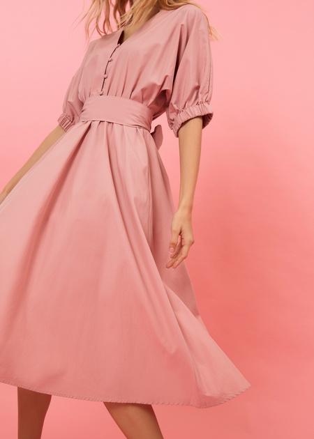 Платье-миди с поясом и пуговицами - фото 4