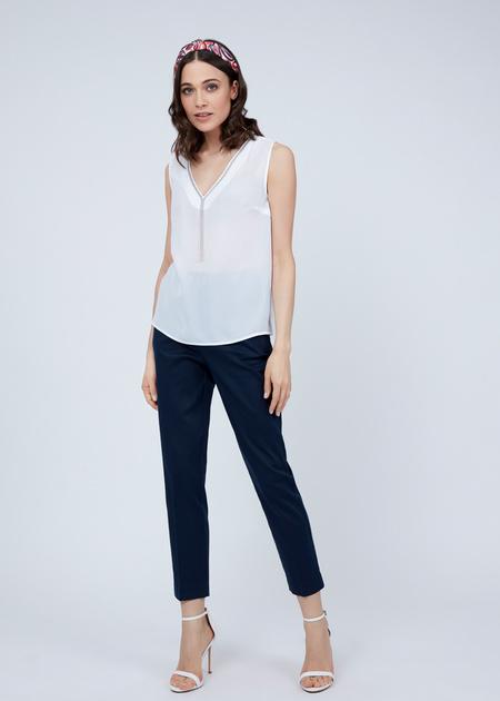 Блузка без рукавов с V-образным вырезом - фото 1