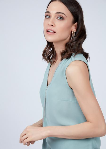 Блузка без рукавов с V-образным вырезом - фото 2
