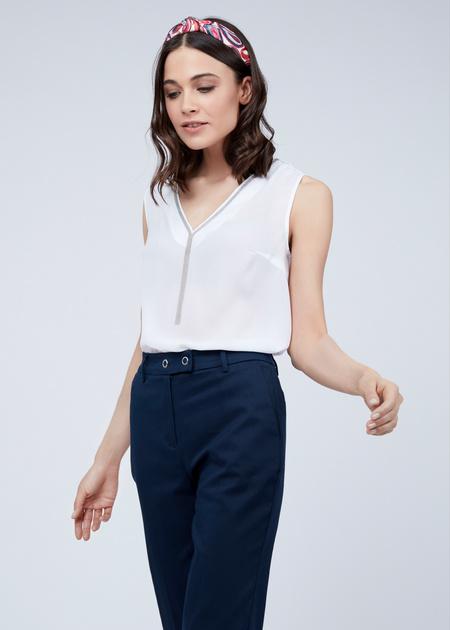 Блузка без рукавов с V-образным вырезом - фото 5