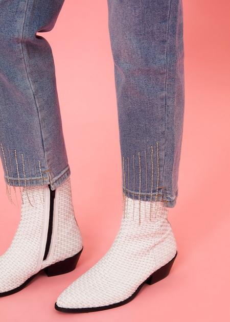 Укороченные брюки из плотного денима - фото 5