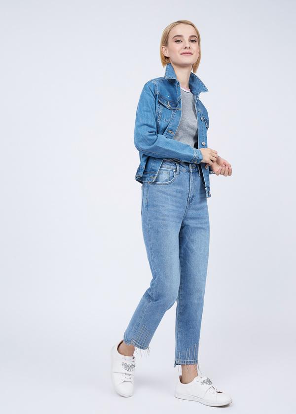 Укороченные брюки из плотного денима - фото 6