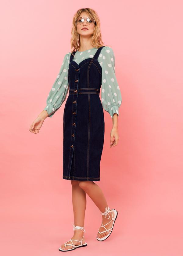 Джинсовое платье-сарафан с пуговицами - фото 3