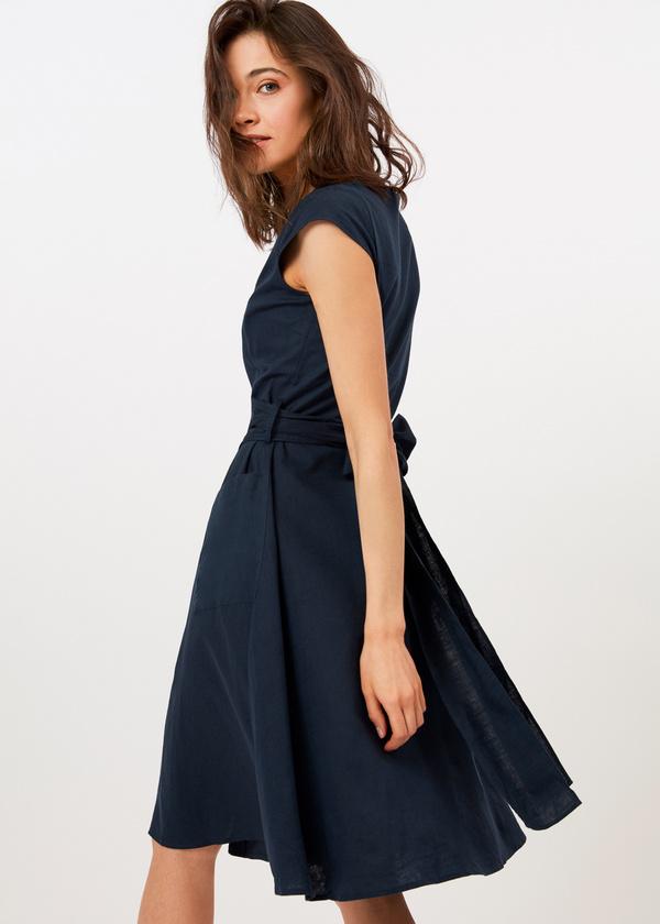 Приталенное платье с накладными карманами - фото 3