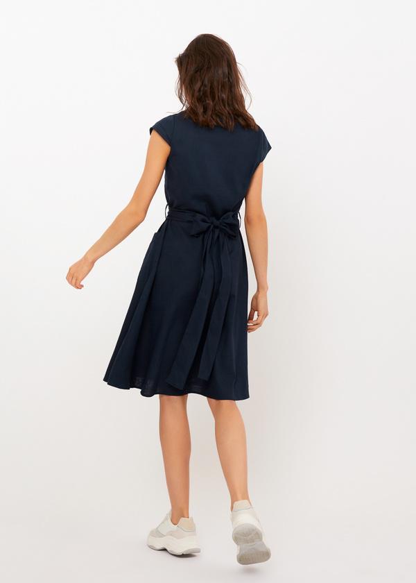 Приталенное платье с накладными карманами - фото 6