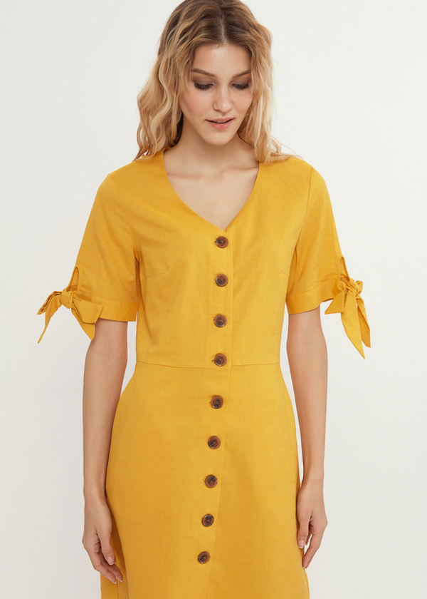 Приталенное платье с завязками на рукавах - фото 2