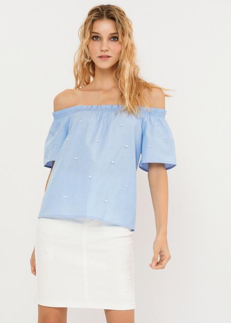 Блузка с открытыми плечами и бусинами - фото 1