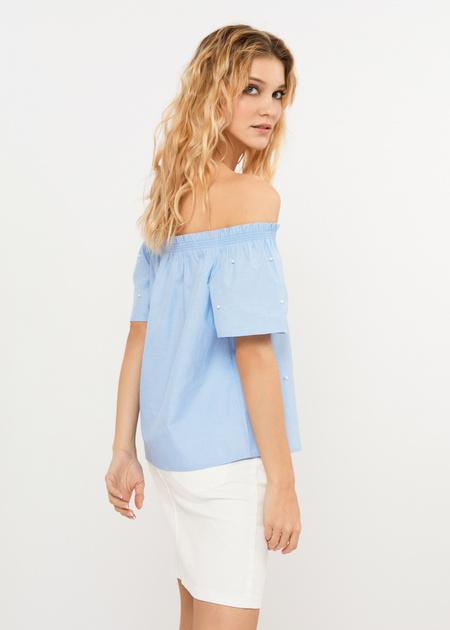 Блузка с открытыми плечами и бусинами - фото 2