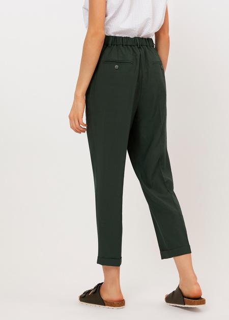 Укороченные брюки с поясом на резинке - фото 3