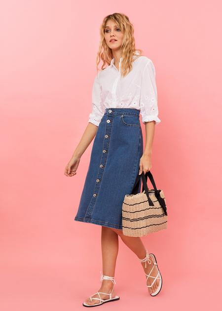 Джинсовая юбка-миди с пуговицами - фото 2