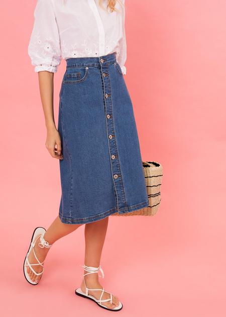 Джинсовая юбка-миди с пуговицами - фото 3